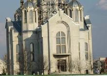 ділять храм в Гусятині
