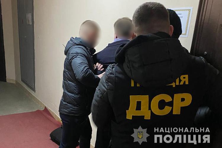 """Мав віддати половину: чиновник вимагав у інваліда 20000 гривень """"відкату"""""""