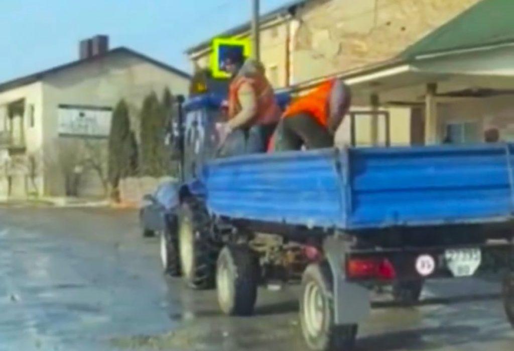 Нанотехнології в дії: на Тернопільщині ями на дорогах засипають піском. ВІДЕО