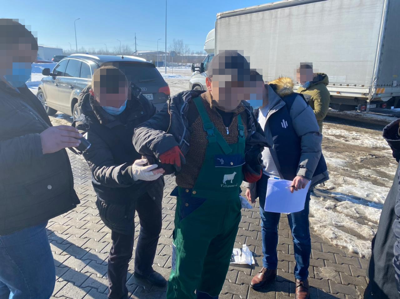 Будуть судити посадовця екоінспекції, котрий вимагав 1500 доларів хабаря -  Новини Тернополя і області - За Збручем